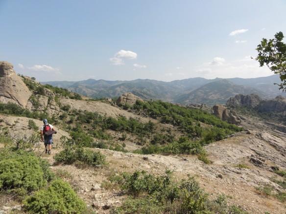 Η φωλιά του ασπροπάρη στον Κομψάτο είναι βαθειά μέσα στην οροσειρά της Ροδόπης με την ανθρώπινη παρουσία να είναι μηδαμινή