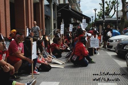 Εικόνα 3. Καθιστική διμαρτυρία.